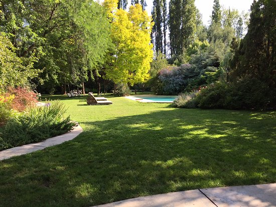 Casa Glebinias: outdoor pool and gardens