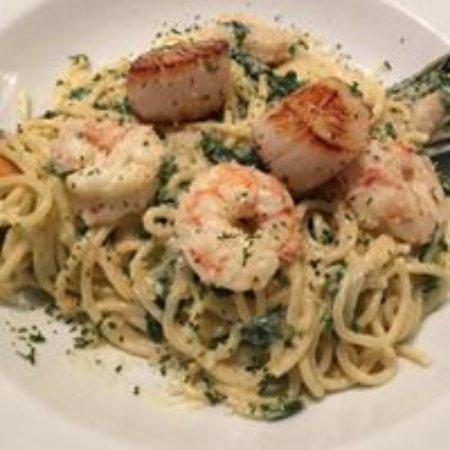 Le Resto Chelsea : Scallop and shrimp linguine