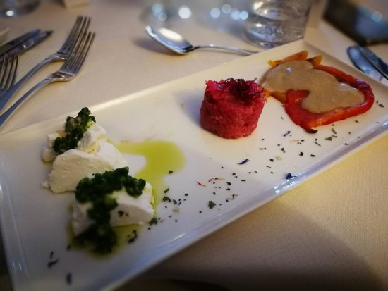 Cantalupa, Italien: tomini al verde, battuta di fassone, peperoni in bagna couda