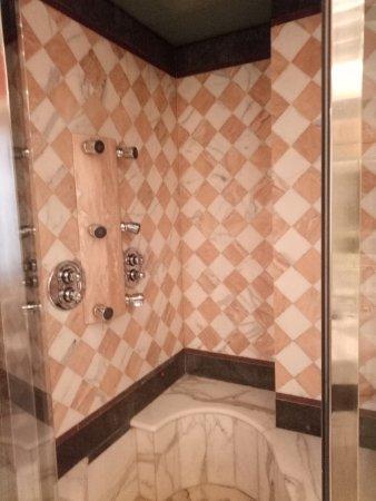 Bagno suite 224 doccia idromassaggio e bagno turco. - Foto di Hotel ...