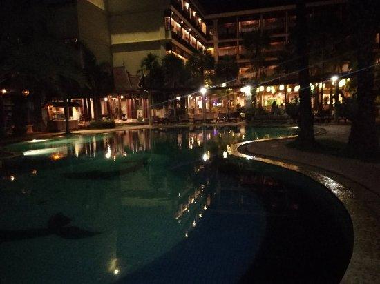Empress Angkor Resort & Spa: IMG_20170928_214422_large.jpg