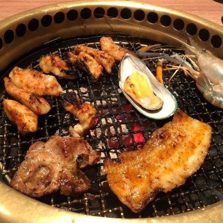 Aka japanese restaurant bangkok 7th floor central world for Aka japanese cuisine