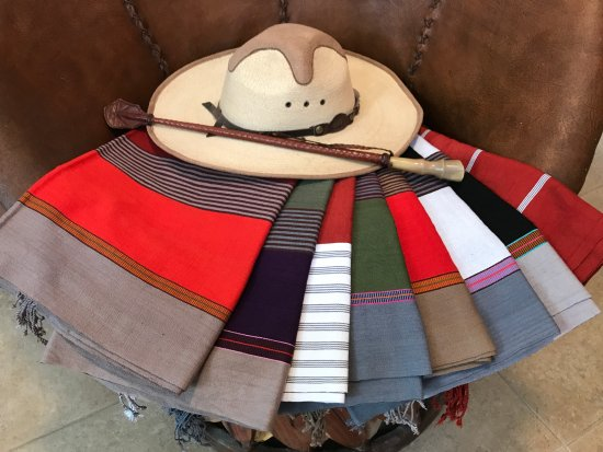 San Pancho, México: Hand loomed 100% cotton shawls/scarves from Chiapas, MX