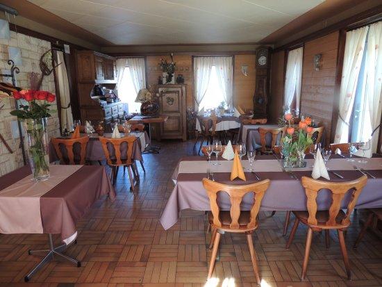 Hotel de la gare cousset schweiz omd men och for Salle a manger 53