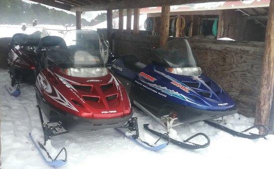 De Borgia, Монтана: Snowmobiles
