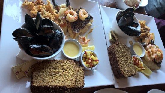 Portmagee, Ireland: seafood platter