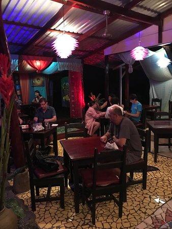 Stashus con Fusion: A view of the restaurant.