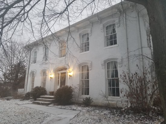 Orchard House Bed and Breakfast: Front of the B&B in January 2018.