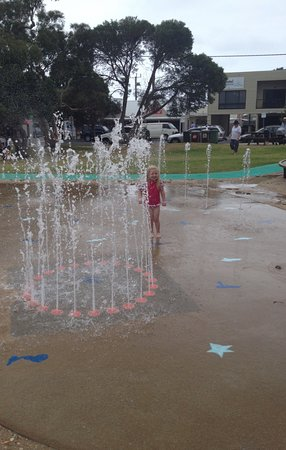 Metung, Australia: Fun in the water area at A V Patterson Park