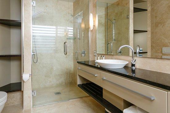Luxury First Floor Three Bedroom Apartment - Master Bedroom Ensuite ...