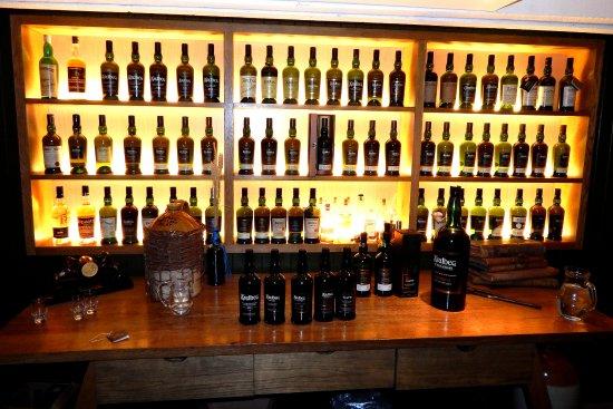 Ardbeg Distillery: Ardbeg Tasting Room