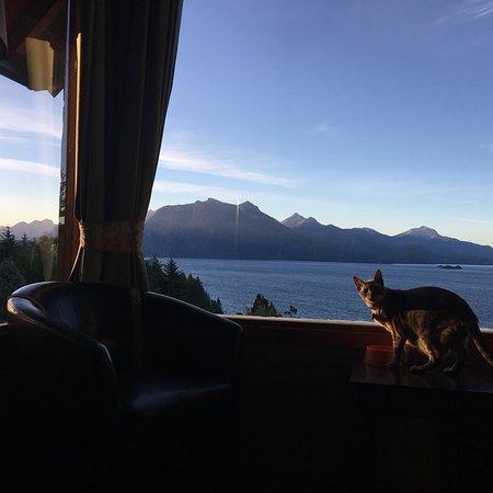 Apart Hotel Cabanas Balcon al Lago: Un lugar increíble!! Imposible no querer quedarse a llenar la vista con la magia del paisaje. To