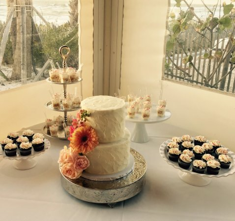 Rustic Wedding Cake And Dessert Table Picture Of Cupcake Delights
