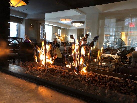Fairmont Gold Lounge Picture Of Fairmont Banff Springs Tripadvisor
