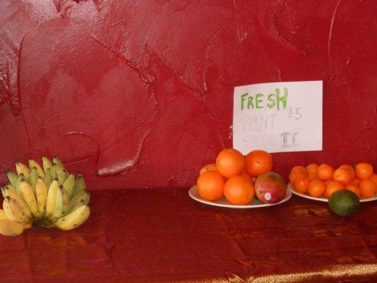 Thai Kitchen : fresh fruit and smoothies