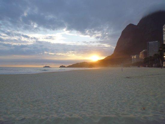 Atardecer en Sao Conrado Beach