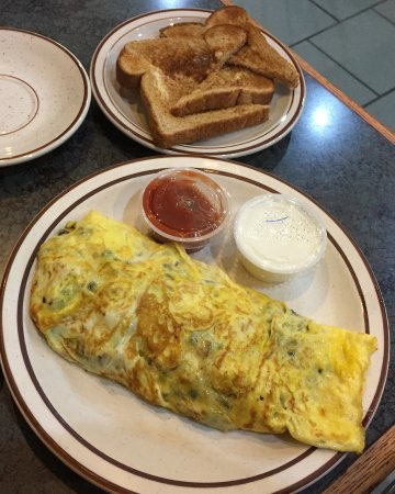 Bevs Cafe - Red Wing, Minnesota - Mike's Special Omelet
