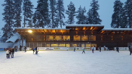 Twisp, WA: Our famous ice rink!