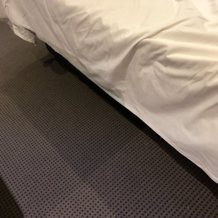 """Seasons Botanic Gardens: How my bed was """"made"""" (I'd read other reviews but not really believed them!)"""