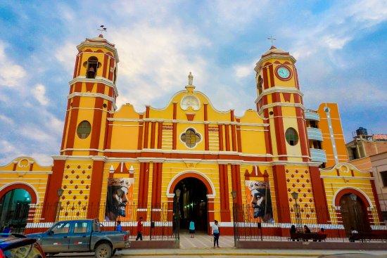 Piura, Perù: IGLESIA SAN PEDRO DE MONSEFÚ