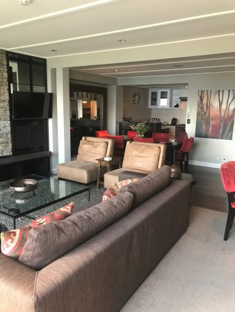 Commonage Villas: the lounge