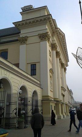 St. Anne's Church (Kosciol Swietej Anny) : Το εξωτερικό του Ι.Ναού ..