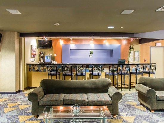 Clarion Hotel Winnipeg: Lobby