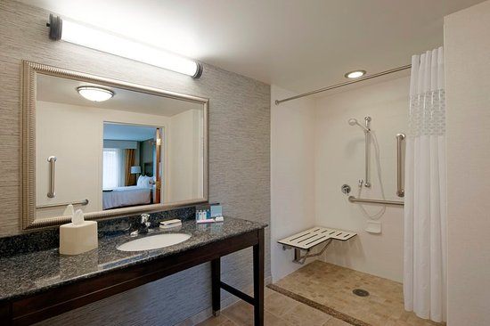 Hampton Inn & Suites Lake Placid: Guest room