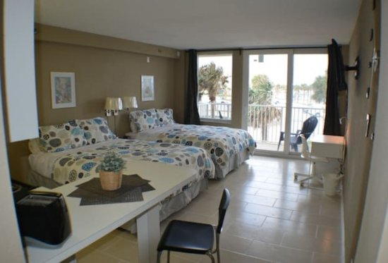 Harbour Beach Resort: Room