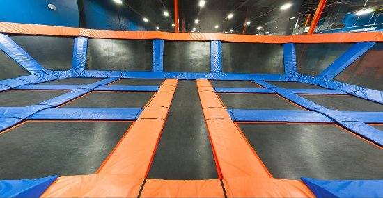 Sky Zone : Freestyle jumping is where it's at.