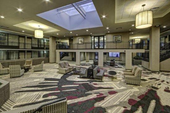 DoubleTree by Hilton Hotel Decatur Riverfront