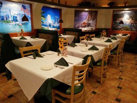 Sicilian Ristorante : Table