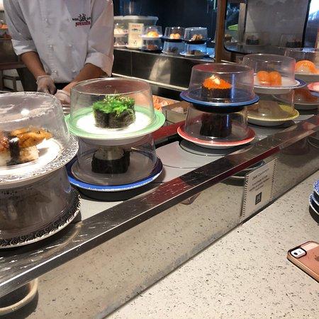 Makoto Sushi Bar: photo1.jpg
