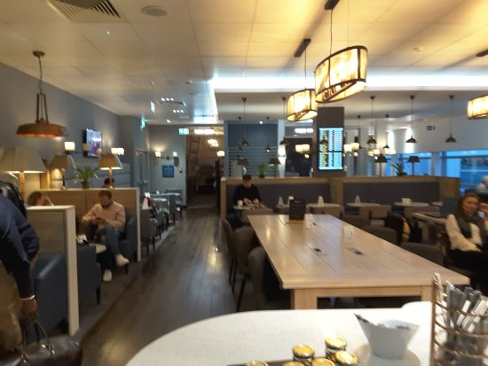 Club Aspire Lounge - Heathrow Terminal 3