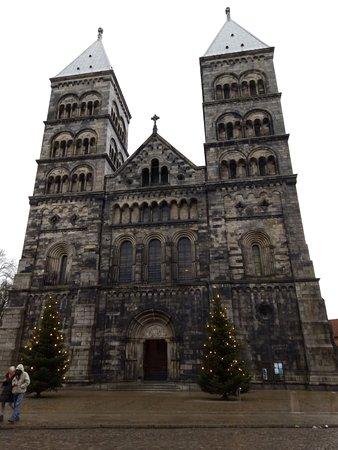 Lund, Suecia: Кафедральный собор.