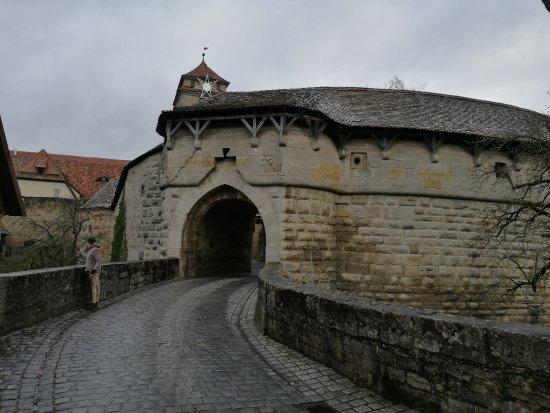Puerta de entrada picture of spital bastion rothenburg - Puerta de entrada ...