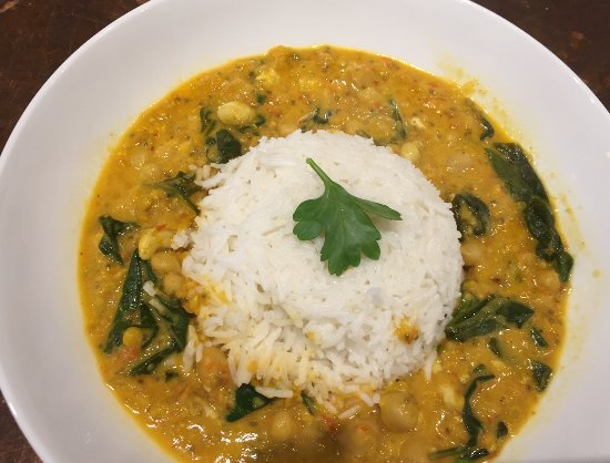 The Wellbeing Cafe: Vegan chick pea & spinach curry.. Yum