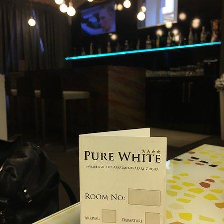 Pure White: photo0.jpg