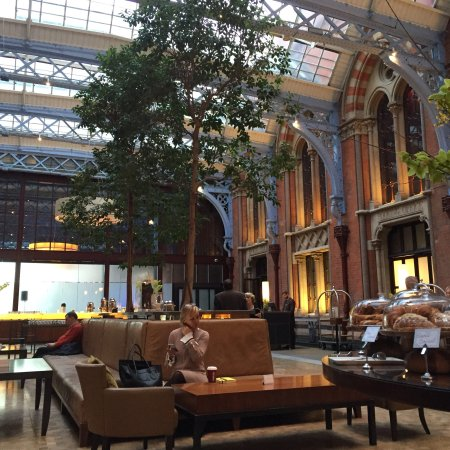 St. Pancras Renaissance Hotel London: photo1.jpg
