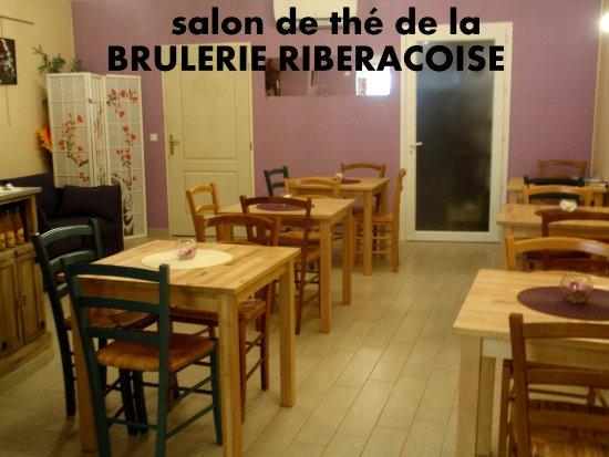 Salon Chaleureux Pour Deguster Cafe Thes Chocolats Et Tisanes