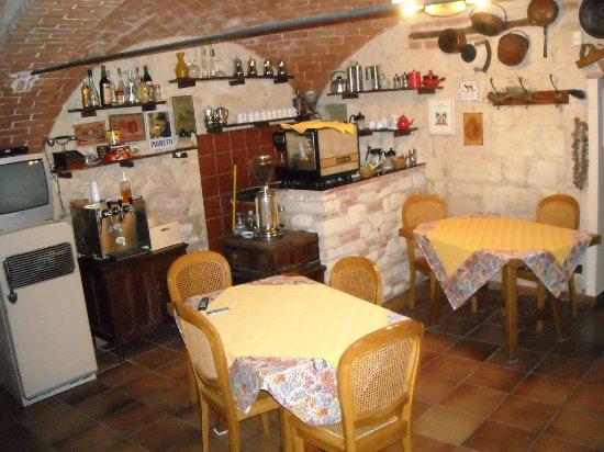 Grazzano Badoglio, Italia: Saletta colazioni Albergo