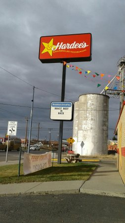 Laurel, Montana: Hardee's... NOT your normal fast food place!