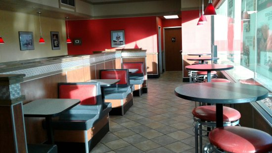 Laurel, Монтана: Hardee's... NOT your normal fast food place!