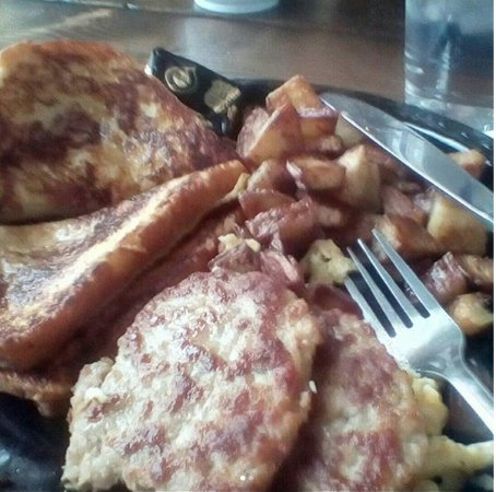 Plymouth, NH: Skiers' Breakfast at The Last Chair -- this version has scrambled eggs, French toast, sausage