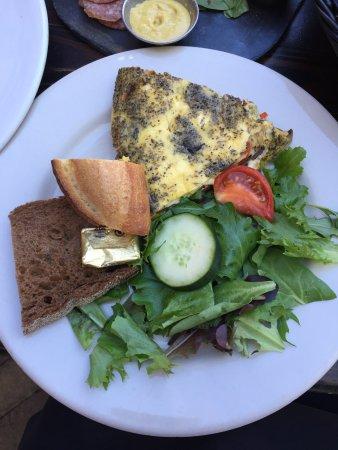 Blue Dahlia Bistro: 美食佳餚