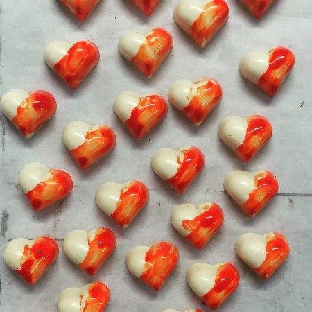 Xocodiva: white belgian chocolate with passion fruit ganache