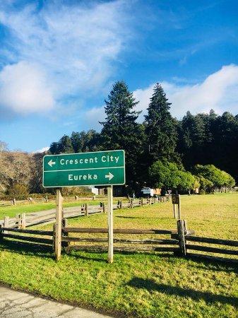 Redwood National Park: Crescent City sign
