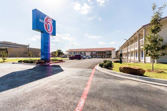 Motel 6 Dallas - Farmers Branch