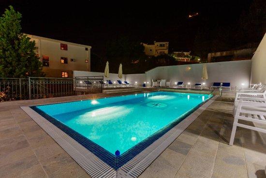 Pool - Picture of Apartments Jovan, Sveti Stefan - Tripadvisor