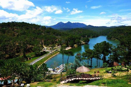 Image result for Hồ Tuyền Lâm, thiền viện Trúc Lâm